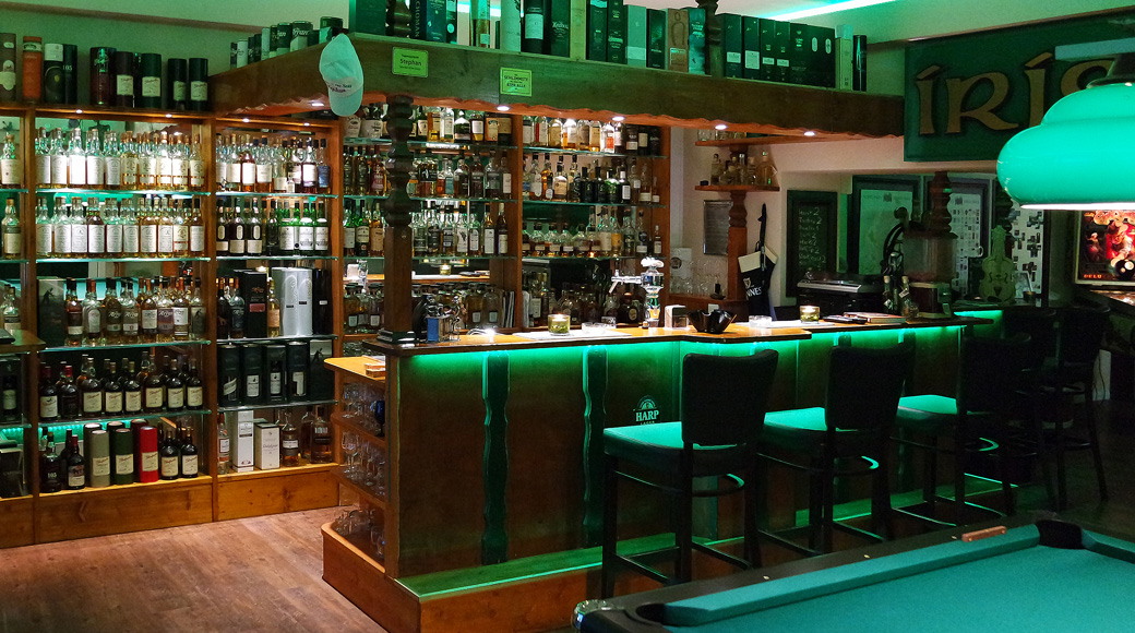 irish pub tischlerei m nter. Black Bedroom Furniture Sets. Home Design Ideas